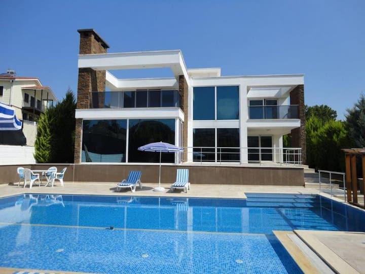 Antalya Manavgat'ta Müstakil Havuzlu Villa