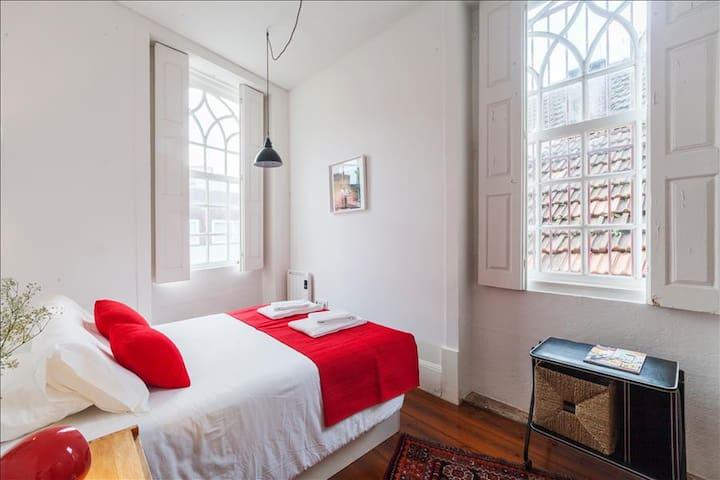 Apartment in Artistic Area of Porto