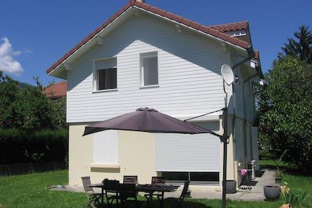 Maison au soleil au pied montagnes - Le Touvet - House