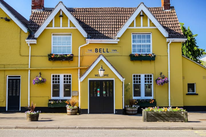 The Bell Inn - Cotswold B&B