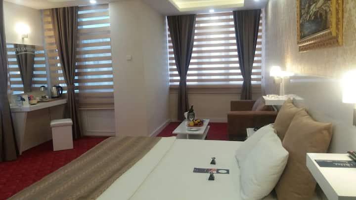 Otel Çavuşoğlu - Deluxe Çift Kişilik Balkonlu Oda