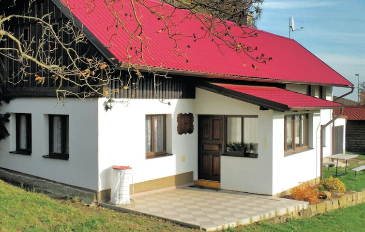 Holiday cottage with 2 bedrooms on 86 m² in Jicin