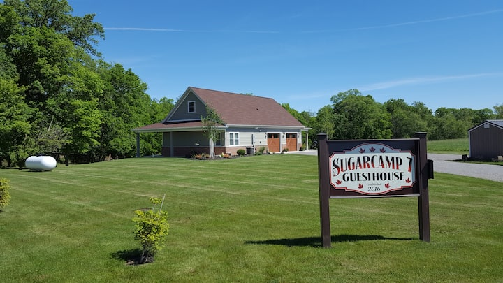 Custom Designed Country Guesthouse w/2 Bdrm option