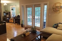 Private room in beautiful condo by Piedmont Park