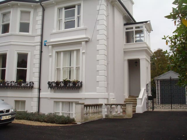 Garden flat in Victorian villa - Royal Tunbridge Wells - Apartment