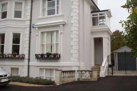 Garden flat in Victorian villa - Royal Tunbridge Wells - Wohnung