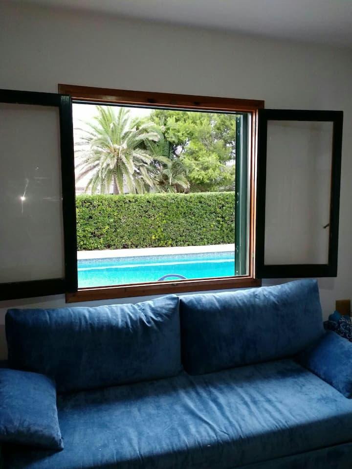 Apartamento nuevo a pie de piscina