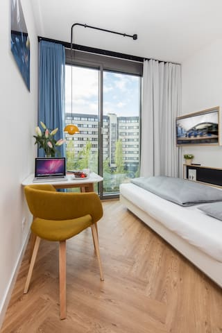 Serviced Apartment- Studio in City-West