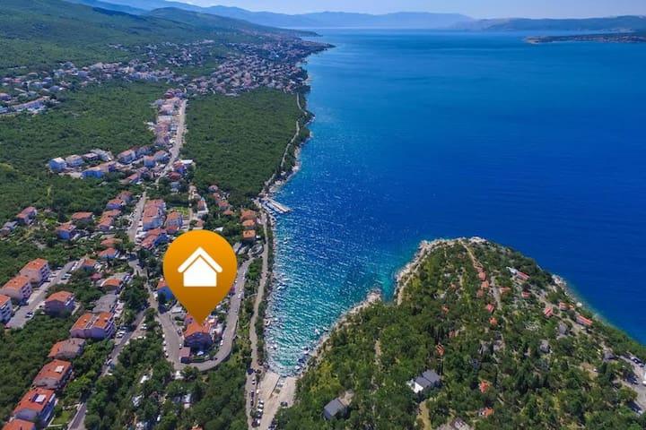 Studio app in Dramalj just 60 meters from the sea