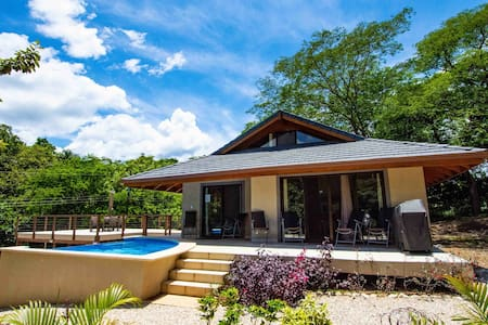 3/3 Home w pool - Secluded and Tranquil