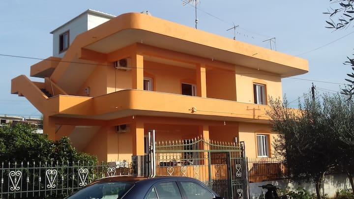 Lijon House with 3 Bedrooms in Ksamil