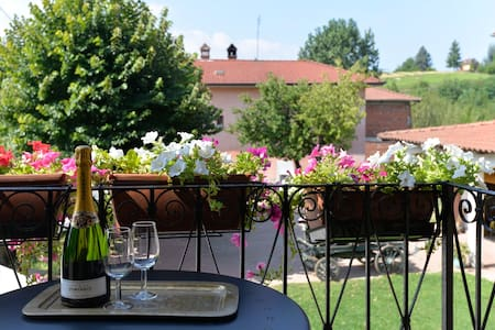 1 Beautiful apartments in renovated Cascina - Toetto
