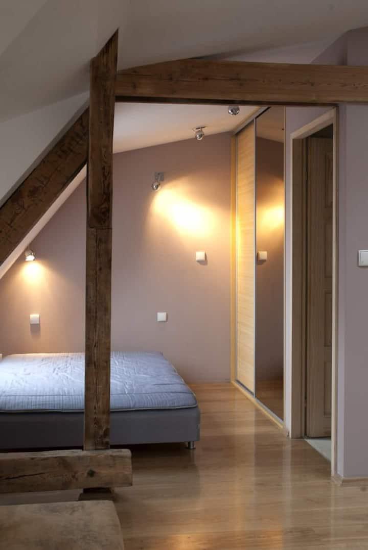 Przestronne mieszkanie na poddaszu