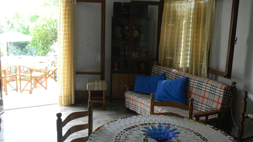 Livingroom with terraceview
