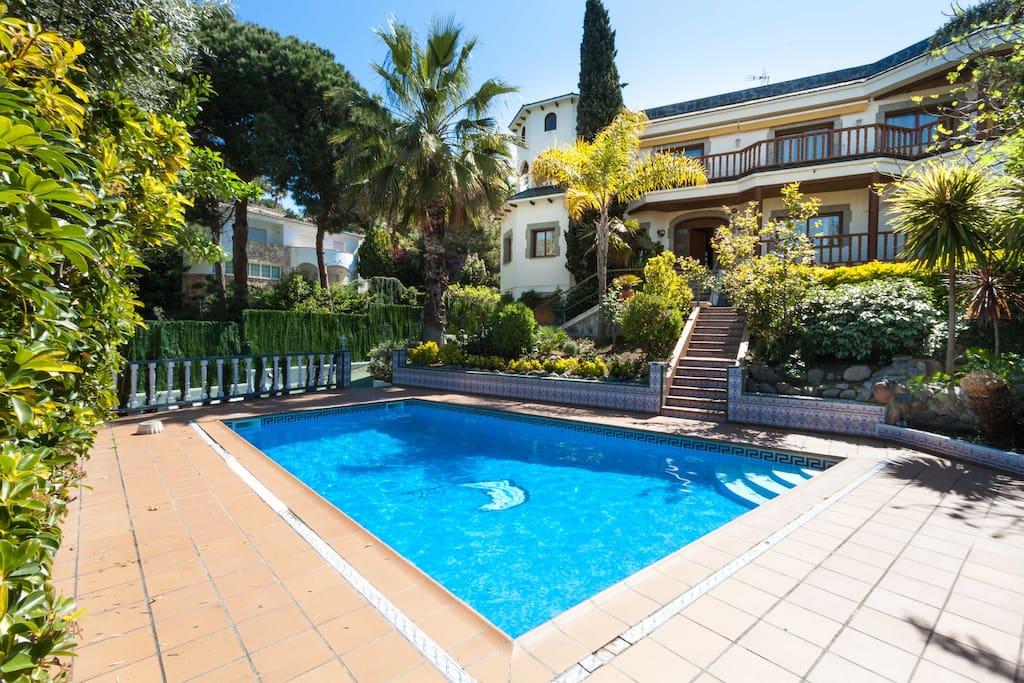 Casa en lloret de mar zona fenals case in affitto a for Piani casa sulla spiaggia con portici