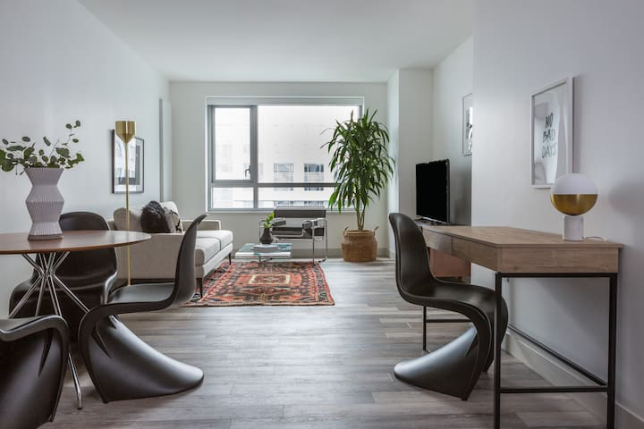 Sonder | 8th Apartments | Dramatic 1BR + Gym