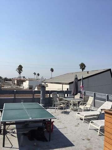 Peninsula Room w Rooftop Deck