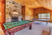 Family-friendly home w/ private lake, canoes, and game room!