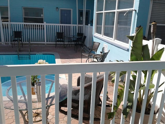 Maderia Beach, Fl. Cozy beach STUDIO! Bath/Shower - Madeira Beach - Overig