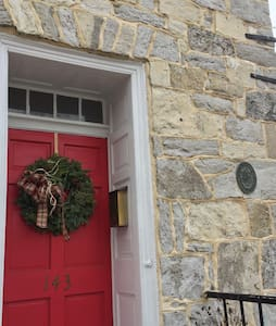 Historic Seymour House in Old Town - Winchester - Apartamento