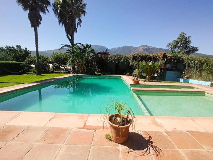 Casa rural con piscina privada La Zarzamora bio
