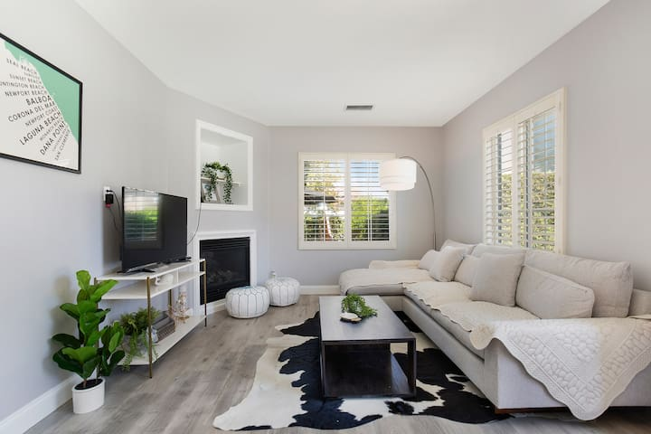 Luxury /New Modern 3 BR Home|near UCI #10140