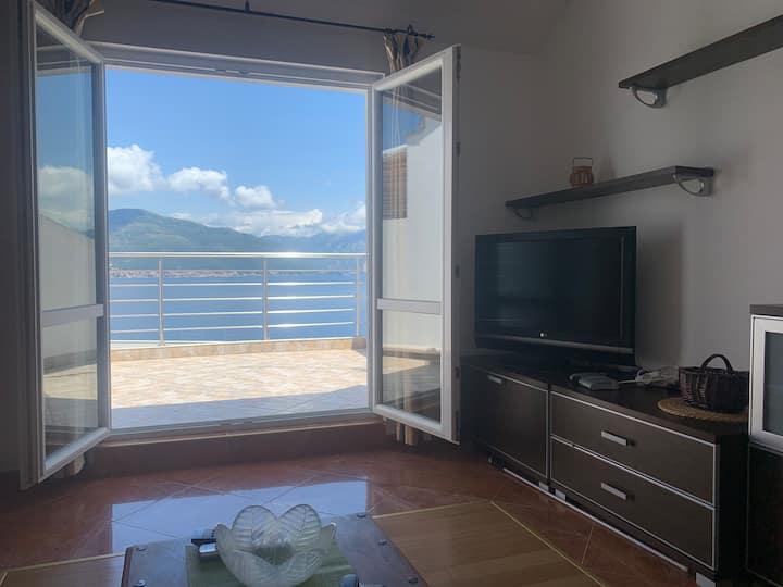 Zasebna kuća za izdavanje u Krašićima (Tivat)