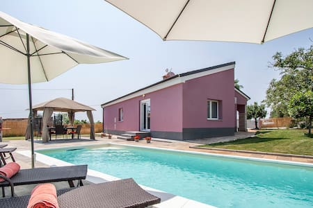 Beautifull new Villa with private pool -peaceful - Rakalj