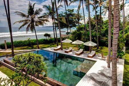 Beach front Gita Segara 3BR Villa - Manggis - Villa