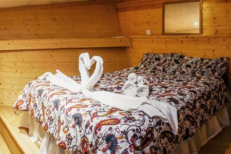 Beautiful Captain's room in the bow boat - Greater London
