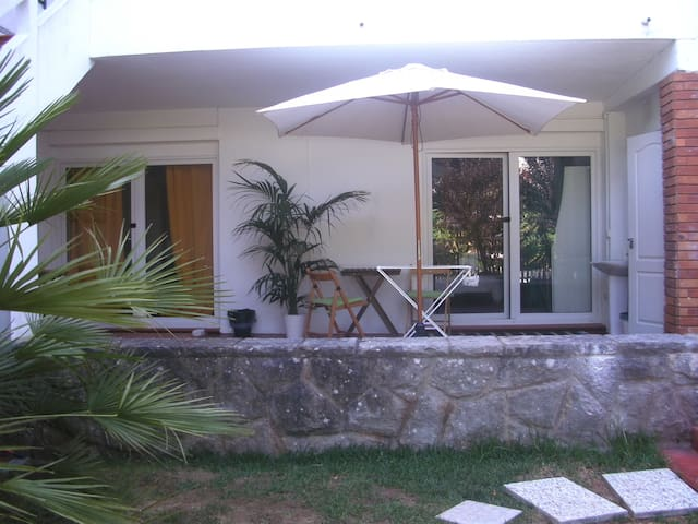 Quarto Single Jardim - Cascais - Bed & Breakfast