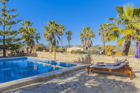 Sa Caseta de Vernissa: cozy finca with pool