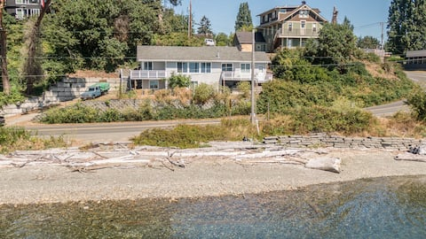 Cozy Burton Beach house with Stunning Views