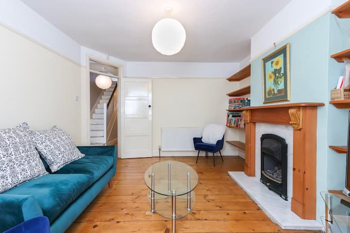 Charming Southville House with Garden
