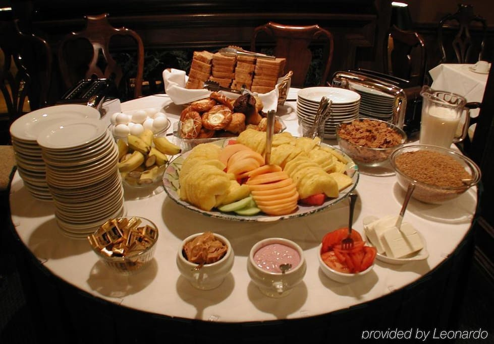 Buffet breakfast included every day