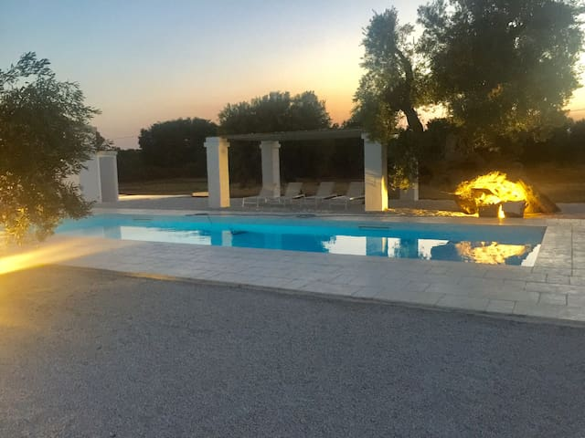 AMAZING VILLA IMMERSED IN SECULAR OLIVES TREES