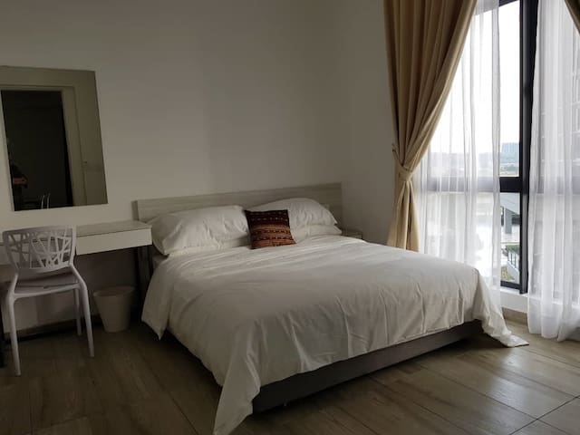 2 Bedroom Studio A @ Cyberjaya | WiFi | Gym | Pool