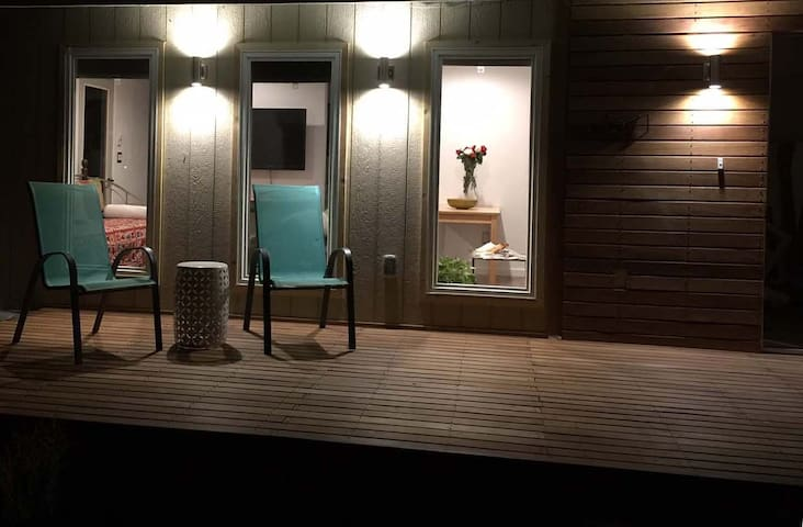 Guest quarter's: with sauna and hot tub.