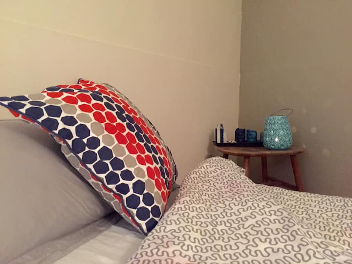 Artqpie - Single Bedroom