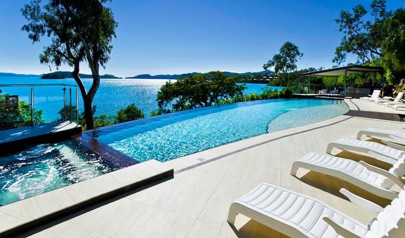 Shorelines 3 Hamilton Island Two bedroom Inc Buggy - Whitsundays - Casa de campo
