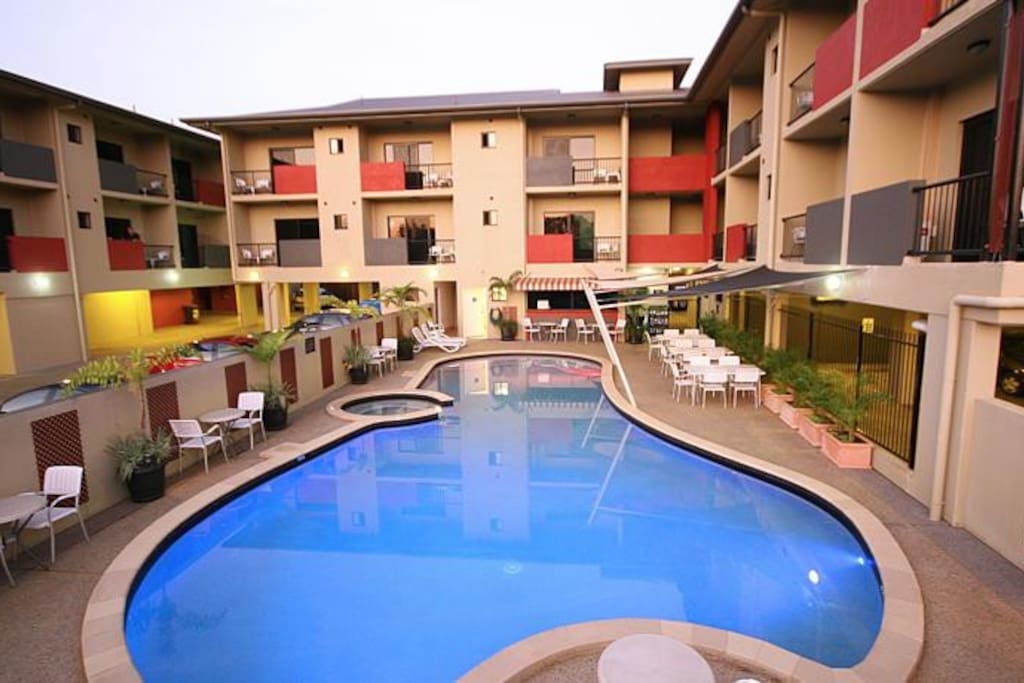 Quality hotel darwin airport bed and breakfasts for rent for Pool show on foxtel