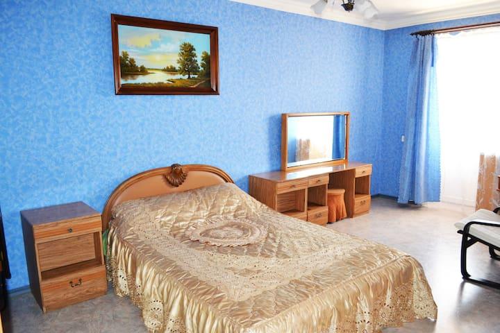Уютная светлая квартира в центре города