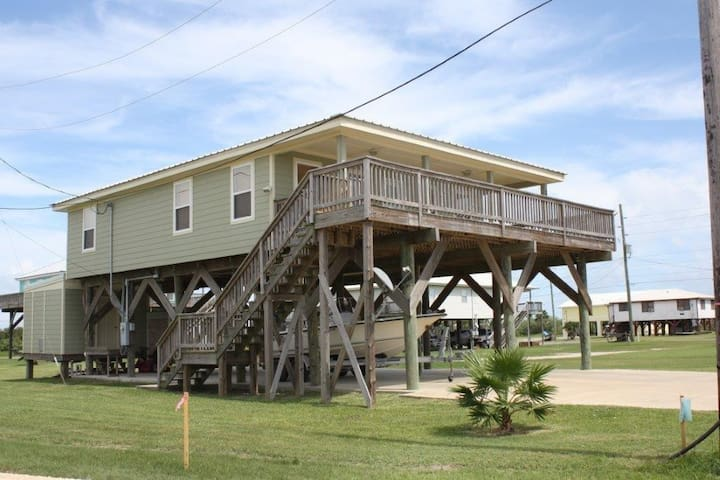 Cajun Castaway has a gulf and bay view in Grand Isle - Grand Isle - Casa