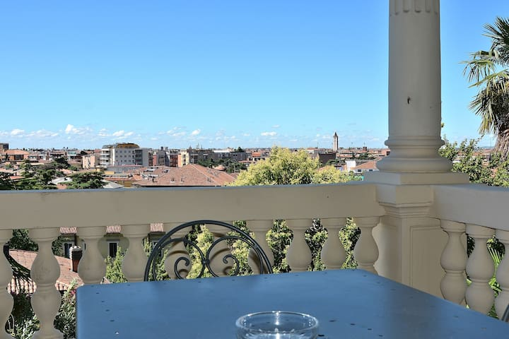Villa Liberty - 6 sleeps, few steps to downtown - Verona - Byt