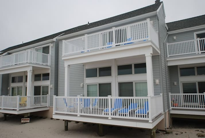 Not one but two large oceanfront decks.