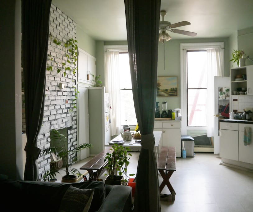 Spacious Greenpoint 1 Bedroom Apartments For Rent In