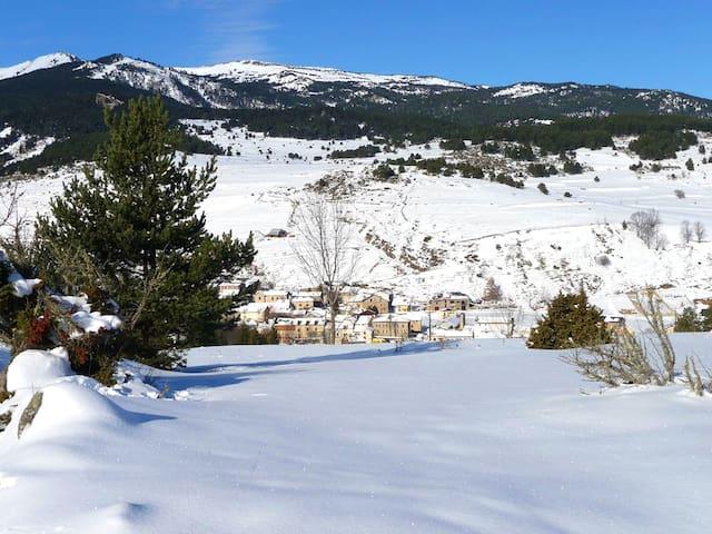 Bonito apt vistas a la montaña