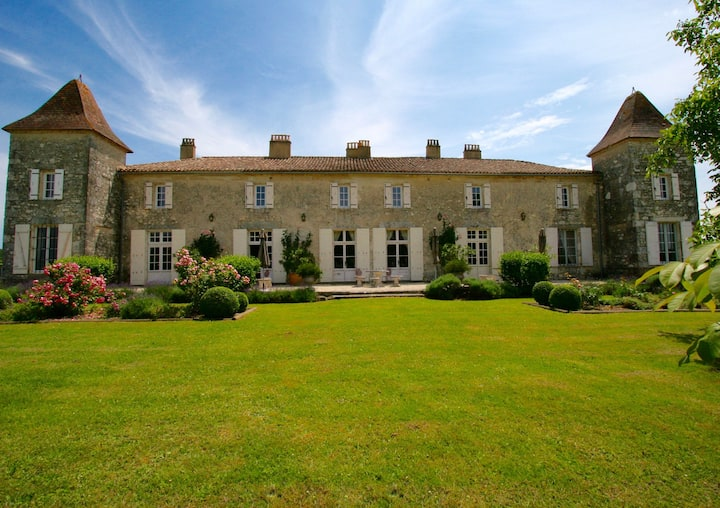 Elegant Chateau; private tennis and heated pool