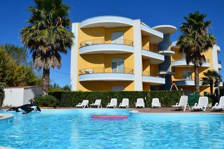 Maison de vacances avec piscine à Cologna Spiaggia