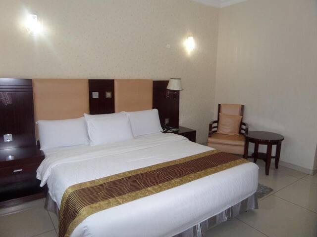 Barcelona Hotel-Standard Room
